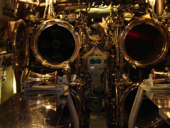 L 39 int rieur du sous marin photo de pearl harbor for Interieur sous marin