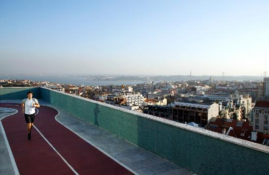 Four Seasons Hotel Ritz Lisbon: Rooftop Fitness Center