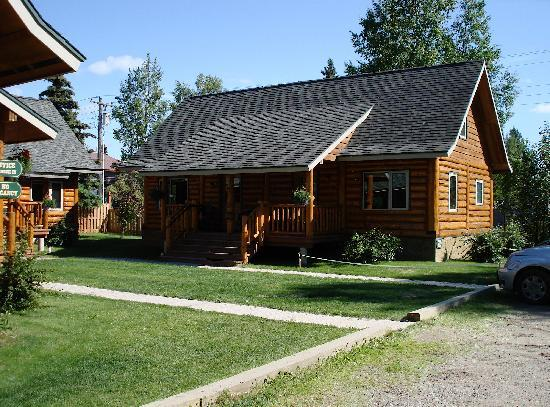 Talkeetna Cabins: OUR LOG CABIN
