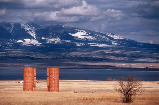 ‪‪Helena‬, ‪Montana‬: Canyon Ferry Silos (east of Helena, Montana)‬