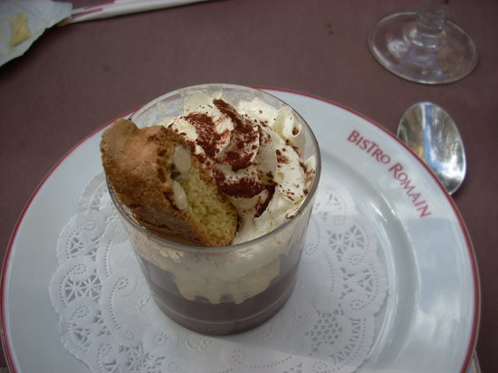 Le Bistro Romain : Dessert is included in the formule fixed priced menus.