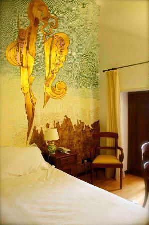 Hotel La Batia : DETAIL OF THE WALL PAINTING