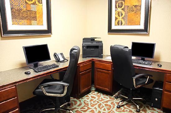 BEST WESTERN PLUS Eastgate Inn & Suites: business center