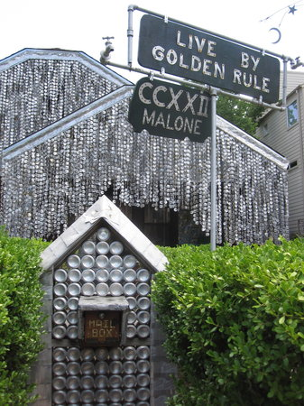 Photo of Monument / Landmark Beer Can House at 222 Malone St, Houston, TX 77007, United States