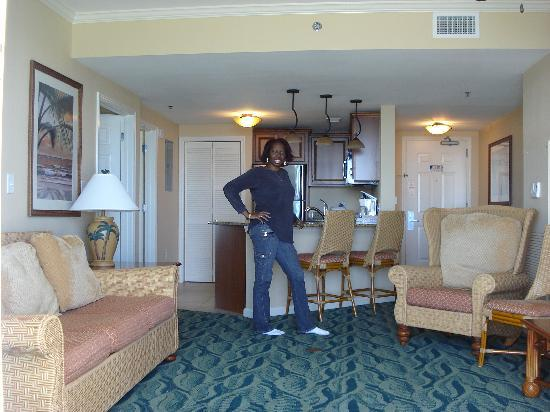 Westgate Myrtle Beach Oceanfront Resort : Livingrm, Kitchen and Laundry Room Door!