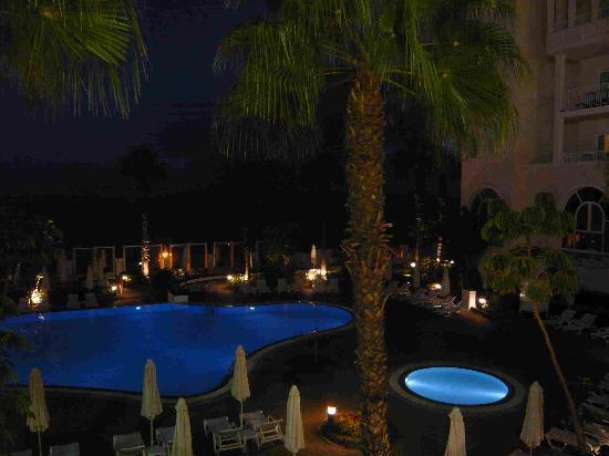Hotel Riu Palace Madeira: Pool bei Nacht