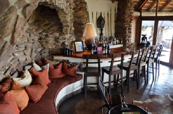 Nedile Lodge: Bar in Main Lodge