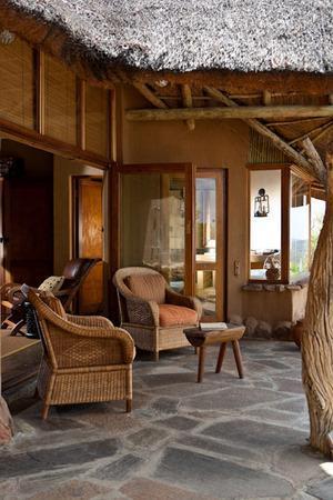 Nedile Lodge: Dek at Room 2