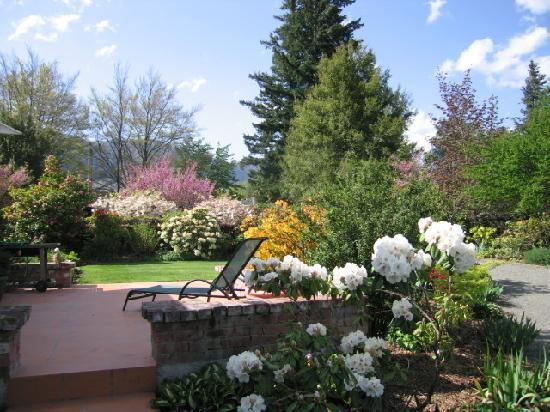 Cheltenham House: Gardens
