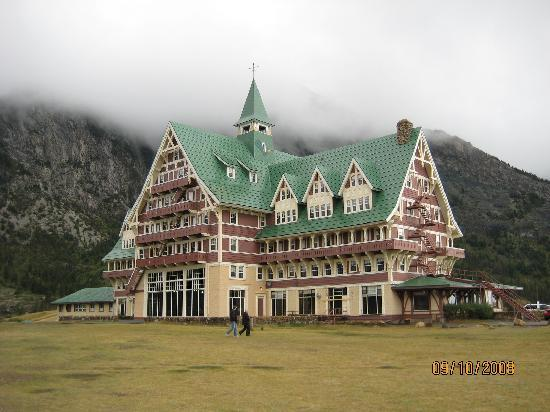 Prince Of Wales Hotel Front