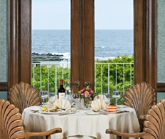 The Breakers on the Ocean: Seashell Dining Room