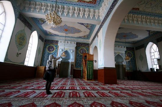 Tbilisi, Georgien: şimdiye kadar sünni ve şiilerin aynı yerde ibadet ettiğini ilk defa Tiflis'te gördüm