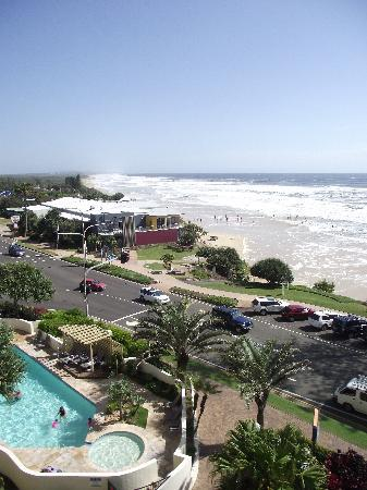Coolum Caprice Luxury Holiday Apartments: Coolum Beach - Unit View - North