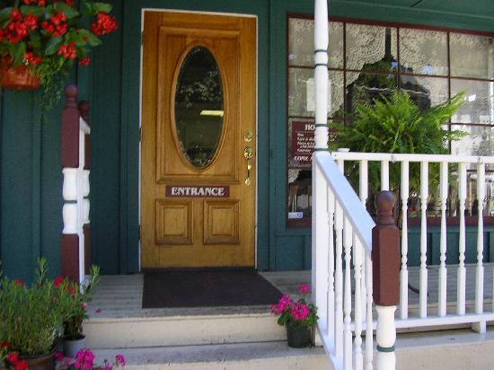 Sweet Harmony Cafe & Bakery: Entrance