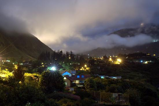 La Casa Verde- Eco Guest House : Night view from the balcony