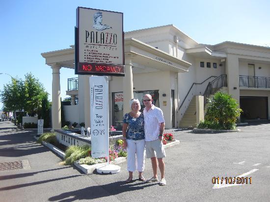 Palazzo Motor Lodge: Barbara & Dennis Cambrige N.Z.