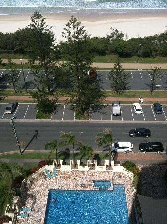 Burleigh Heads, Australia: The pool from our balcony