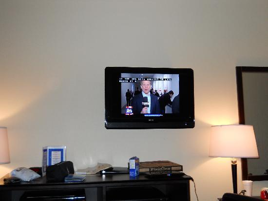Downtowner Inn and Suites : nice flat tv