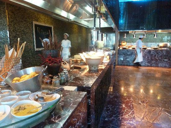 Renaissance Bangkok Ratchaprasong Hotel : Flavors Breakfast