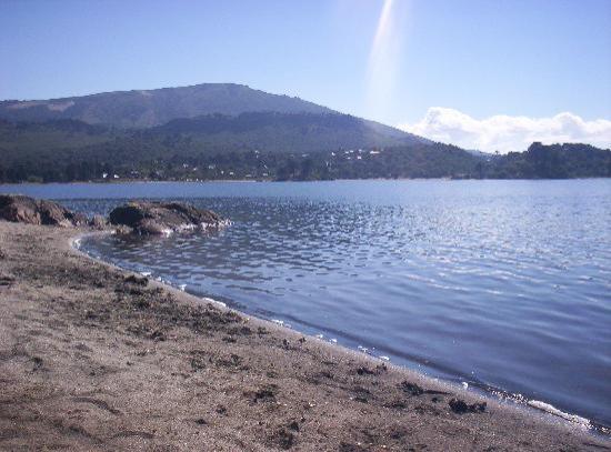 Villa Pehuenia, Argentinien: Lago Aluminé