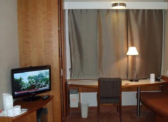 โรงแรมไอบิส แอมบาสซาเดอร์ โซล: Compact room but with sufficient utility space