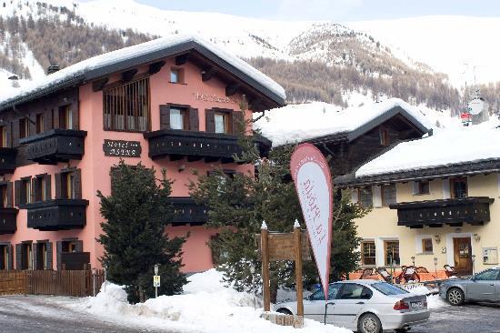 Hotel Astra: Facciata principale davanti