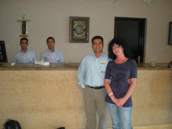 Die netten Rezeptionsmitarbeiter und Walid (F.O.Manager) - Picture ...