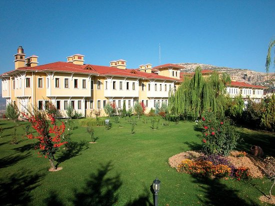 Ermenek, Turkey: Hotel von aussen