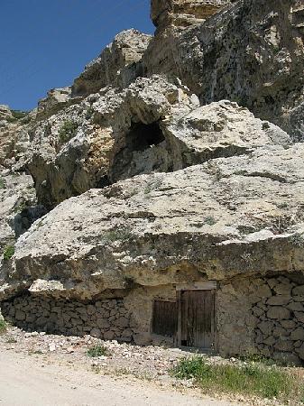 Ermenek, Türkei: ..an der Felswand