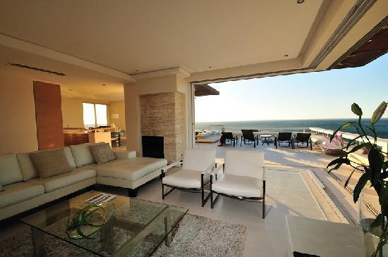 Blue Views : Living Room