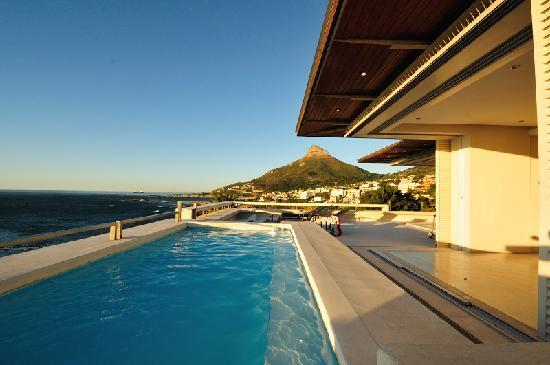 Blue Views Holiday Accommodation : Plunge pool