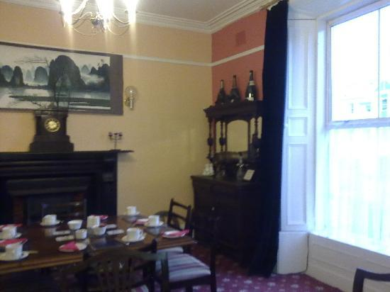 Ophira Bed and Breakfast: dining-room for breakfast