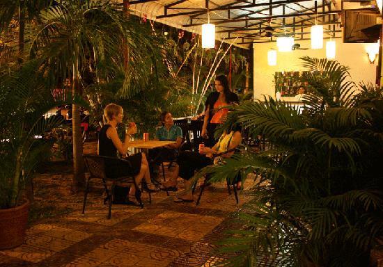 Mekong Central Hotel: Resturant & bar