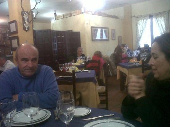 Restaurante Asador Puerta de Malaga: comedor