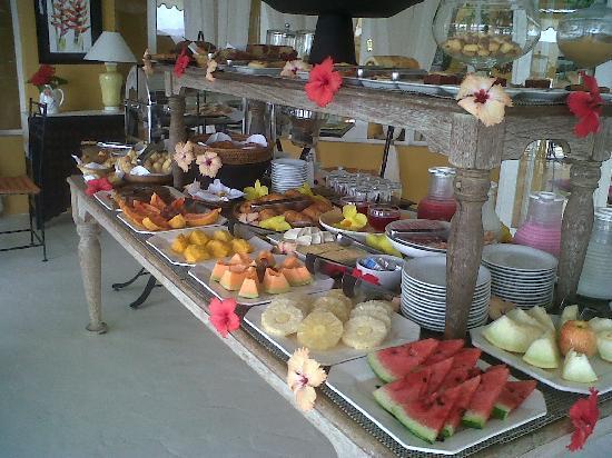 Vila d'este: Desayuno continental en Vila D´este