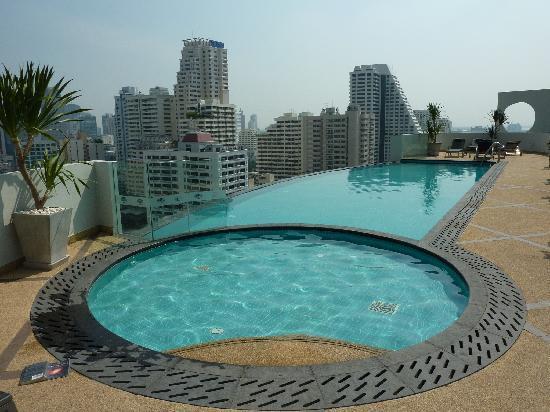 Shama Sukhumvit Bangkok : the pool