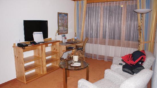 Sunstar Alpine Hotel Grindelwald: Wohnzimmer Junior-Suite 131