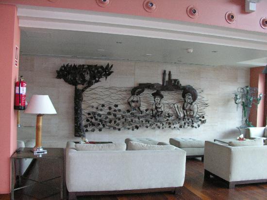 Barcelo Montserrat: Salon launge del hotel