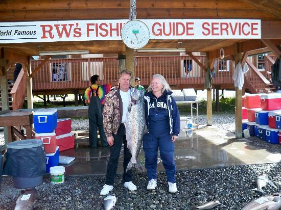 RW's Fishing & Big Eddy Resort Picture