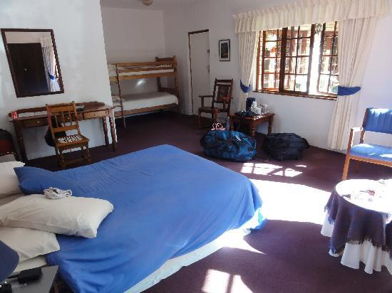 Storms River Guest Lodge: Family Room