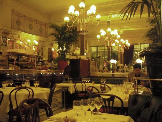 Something S Gotta Give Restaurant In Paris