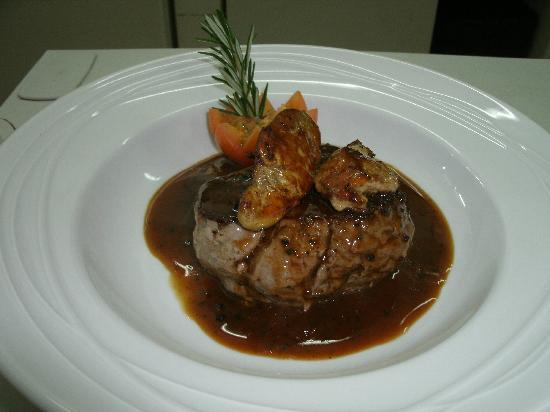 La Roca Restaurant Caribbean Grill: Steak Rossini