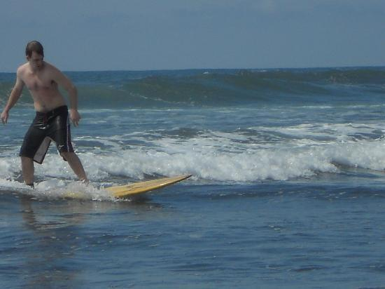 Esterillos Adventures : 1st time surfing