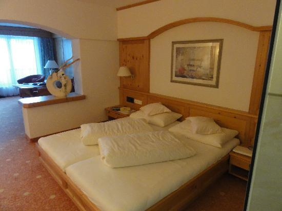 Hotel Gotthard-Zeit: Lovely big room