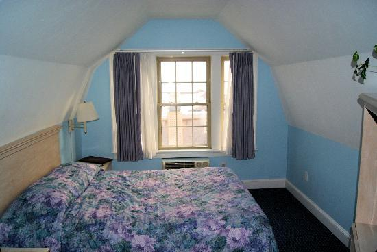 The Seaside Inn: Bedroom