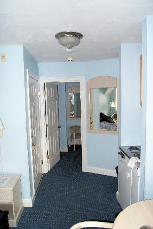 The Seaside Inn: room