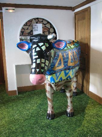 Hotel Ormelune: a cow