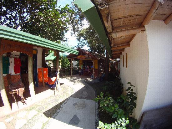 Villa Pedasia : tienda y cafeteria