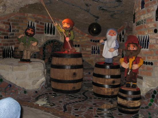Abensberg, Germania: Kuchlbauer's Beer Dwarves