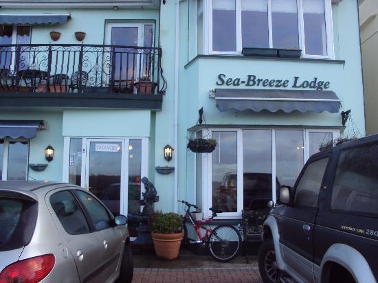 Sea-Breeze Lodge: The B&B!!!
